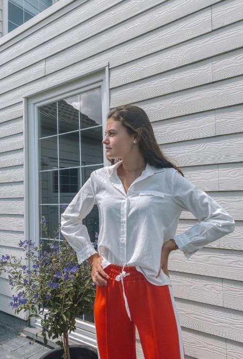 Chemisier ERNEST en coton blanc avec froufrou sur la poche