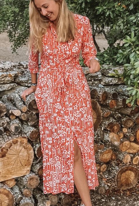 Robe chemisier longue CELINE rouge à fleurs blanches